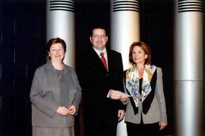 Photo: remise du prix Alma-Lepage 2003