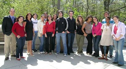 Luis Felipe Cisneros Martinez en compagnie des étudiants participant au premier campus international au B.A.A.