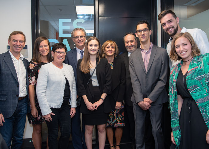 Michel Patry, Director of HEC Montréal, paid tribute to the donors. Robert Blain, Hélène Sabourin, Luc Lambert and Sylvie Smith were accompanied by the members of their families and by Renaud Lambert (3<sup>rd</sup> from right).